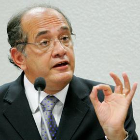 Na CCJ, Gilmar Mendes defende autonomia dos Poderes