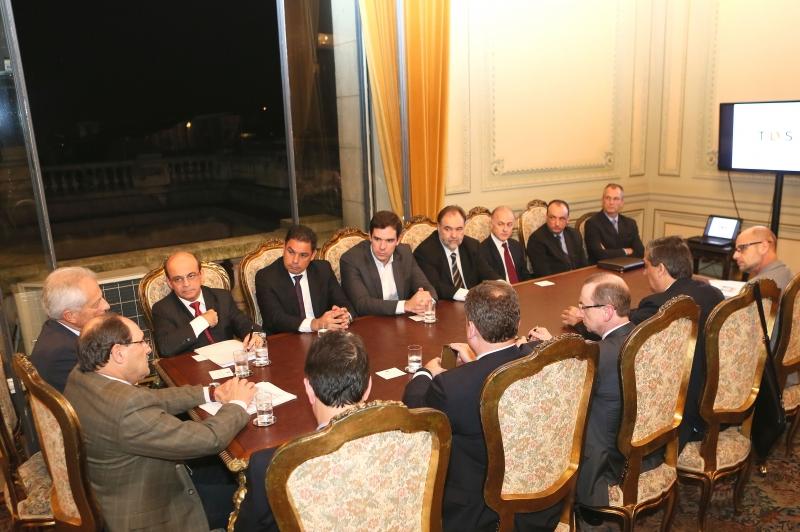 reunião palácio